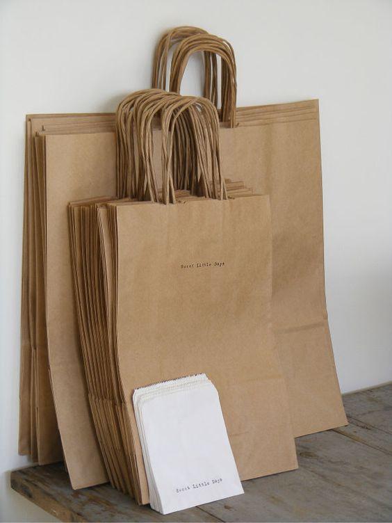 contoh shopping bag simpel berbahan kertas